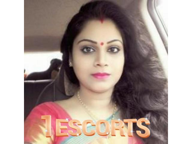 Malad Escorts 85300//88660 Mumbai Call Girls
