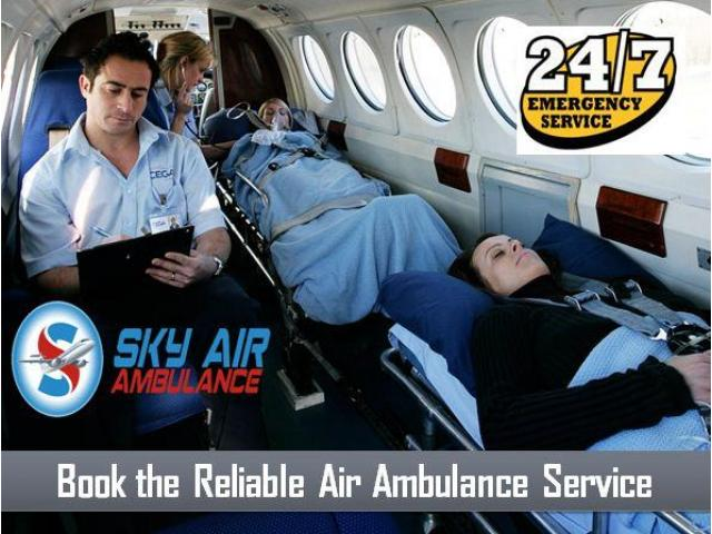 Take Air Ambulance from Gwalior with Specialist MBBS Doctor