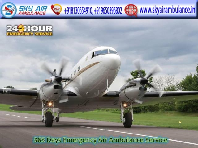 Book First Class Air Ambulance from Mumbai to Delhi with Emergency Tools